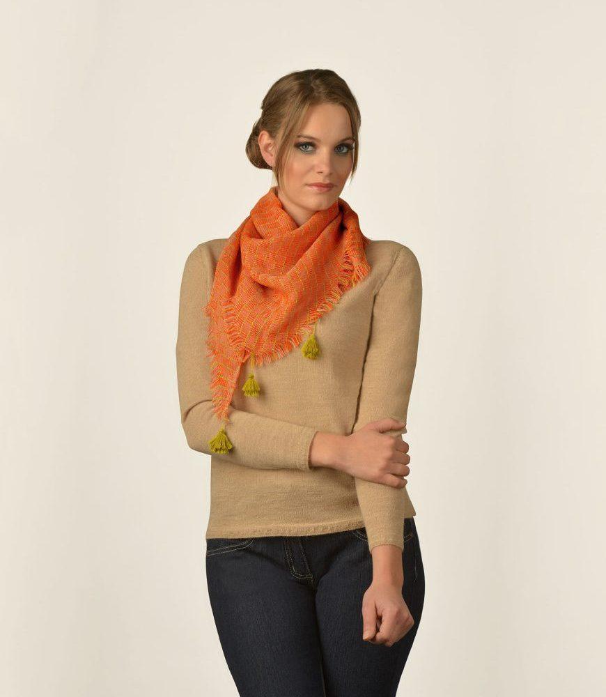 Écharpe TRIANGLE en alpaga - écharpes, bonnets et pulls en alpaga. Fine Alpaca, fine laine et coton du Pérou, vêtements en fibres naturelles.