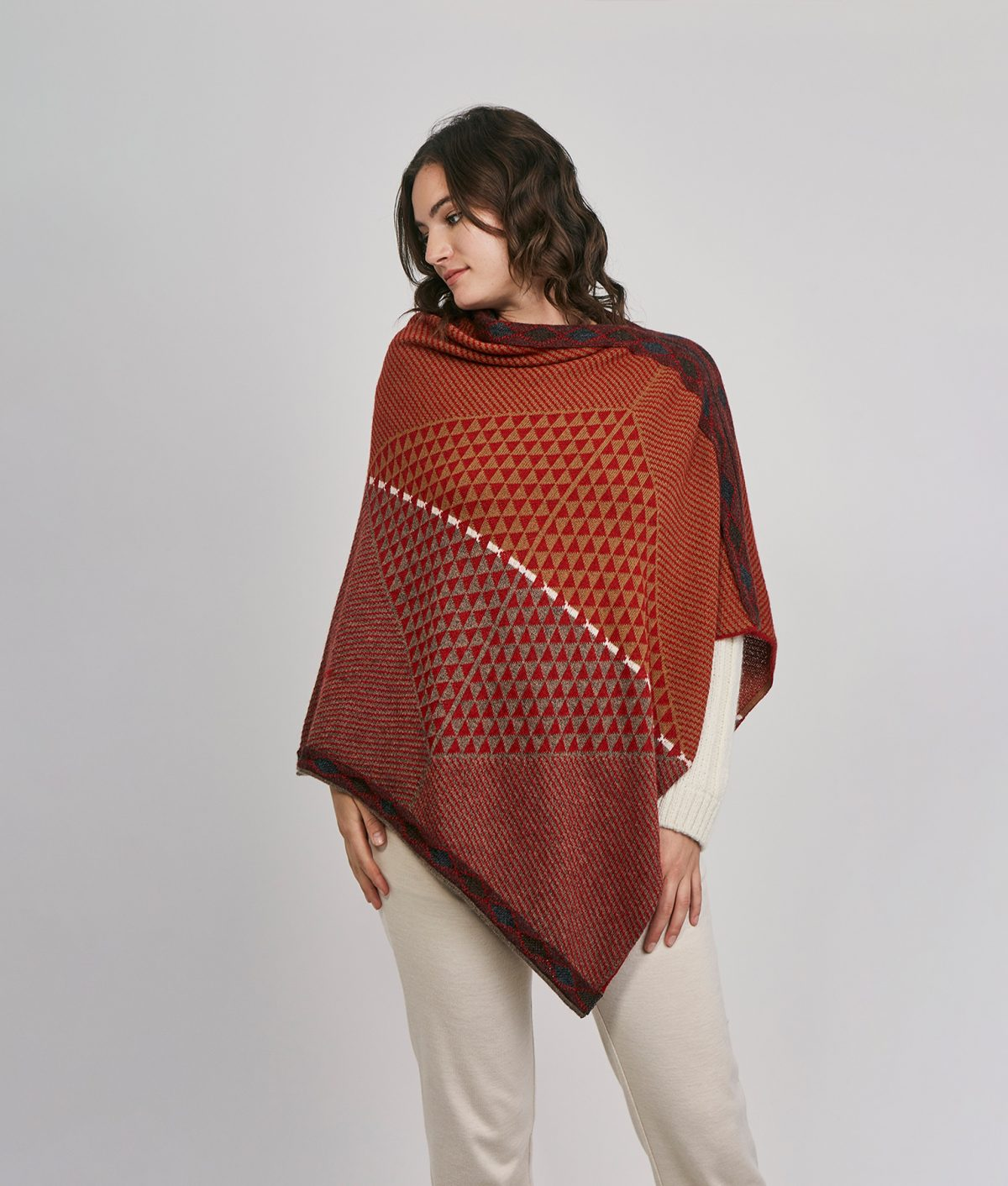 Poncho TRIEN DIAMONDS